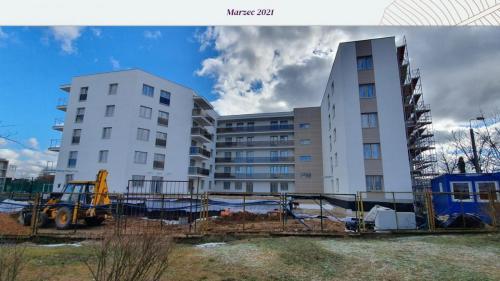 marzec 2021-08